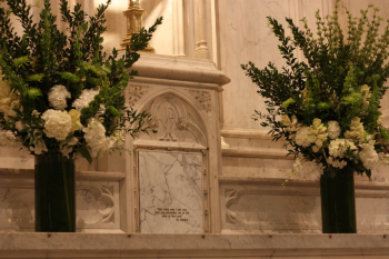 ceremony-church-altar_flowers